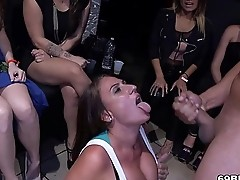 Blowjob party with horny women - Dancing Bear